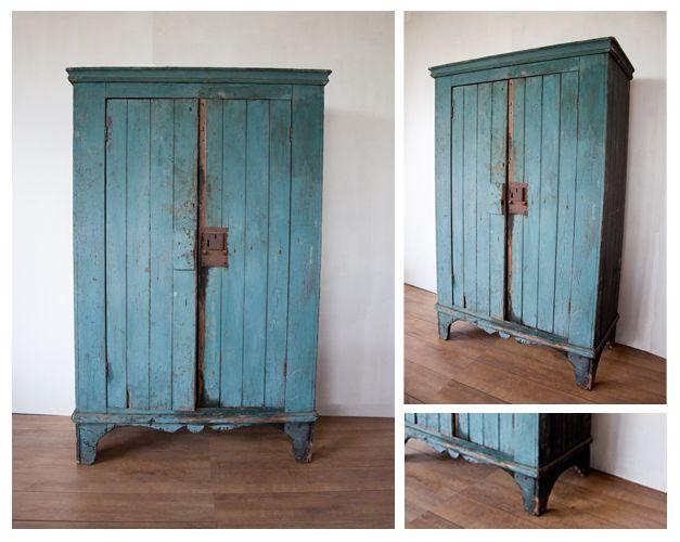blauwe_houten_brocante_kast_sfeer.jpg 627×500 pixels