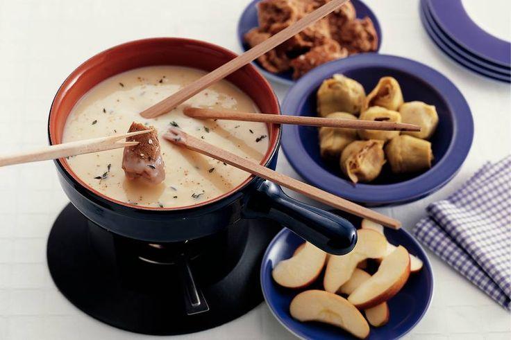 Kaasfondue is perfect voor kerstavond of tweede kerstdag, eens wat anders dan gourmet! In deze blog 3x een heerlijk recept.