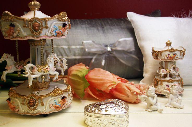 Luxury B:n sisustustekstiileillä ja Espan Enkeleiden tuotteilla saadaan aikaan jännittäviä ja persoonallisia kokonaisuuksia. #habitare2014 #design #sisustus #messut #helsinki #messukeskus