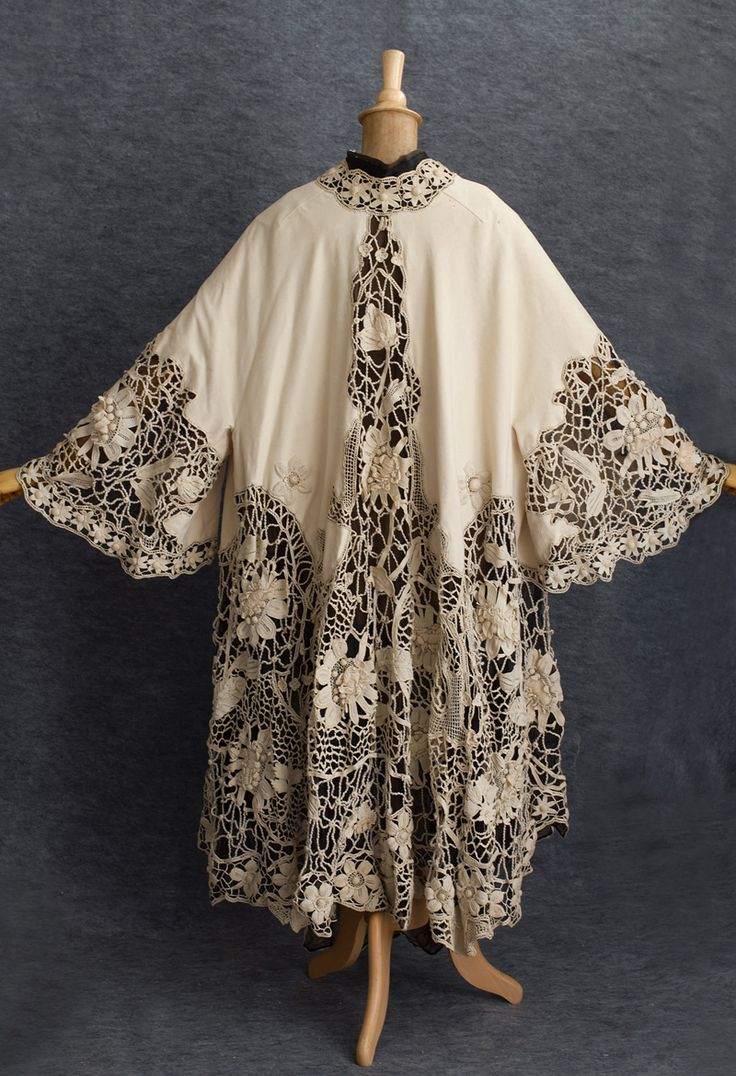 French cashmere coat trimmed with Irish crochet, c.1905