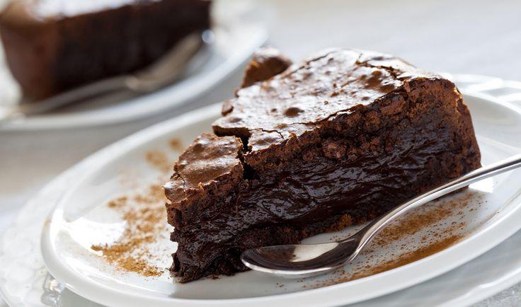 Olof Viktors kafé i Skåne lagar Sveriges godaste kladdkaka. Här är receptet på den kladdigaste kakan du någonsin ätit.