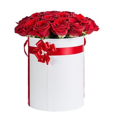 http://flowers4u.gr/product/ever-love-red-roses-naomi-box/
