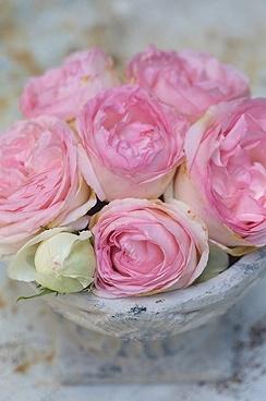 8 best fleurs shabby chic images on pinterest floral bouquets flower arrangements and floral. Black Bedroom Furniture Sets. Home Design Ideas