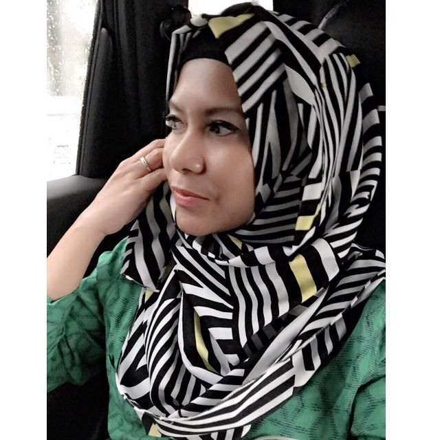 Black and White for a 'save' choice..   @HijabGroove on instagram