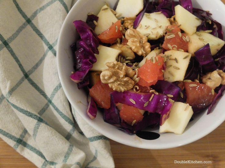 Insalata di cavolo rosso, mela e pompelmo rosa (Red cabbage, apple and pink grapefruit salad) – DoubleKitchen