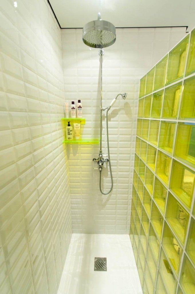 Les 25 meilleures id es concernant salles de bains jaunes - Salle de bain bleu et jaune ...