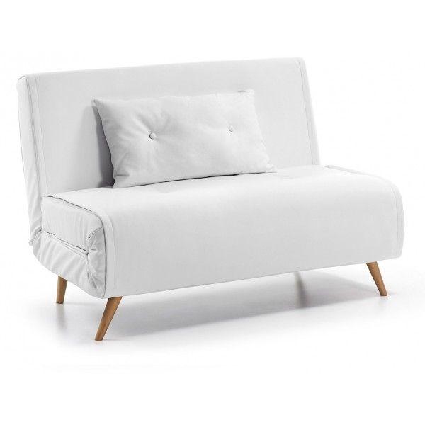 Design fresco dal sapore nordico per questo incantevole divano letto. Una linea nuova, un gusto moderno che sta bene anche in un arredo classico. Comodo divano, funzionale e confortevole letto, gradevole nella forma e di grande arredo nei vostri ambienti.