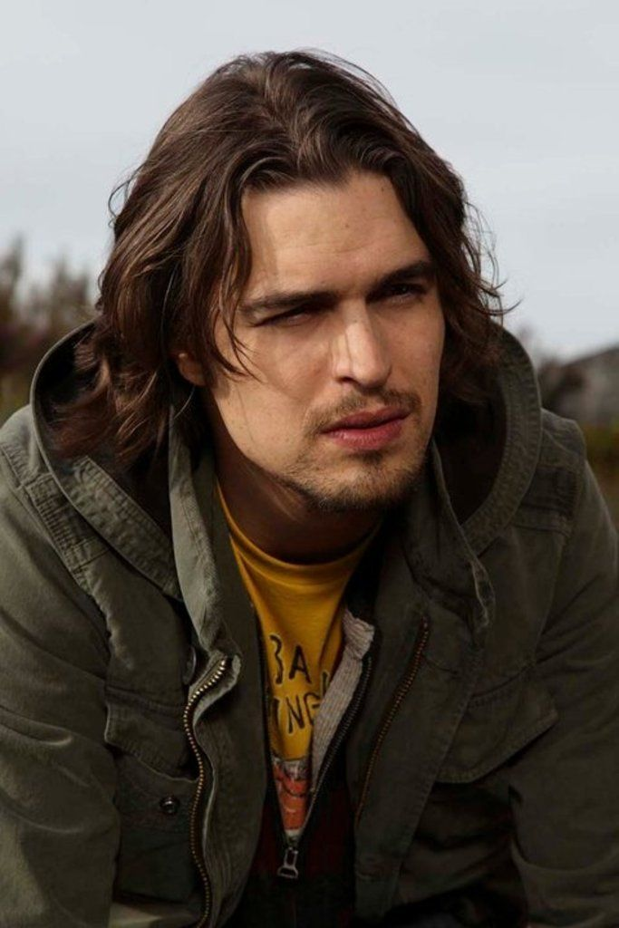 Diogo Morgado with long hair.. still hot