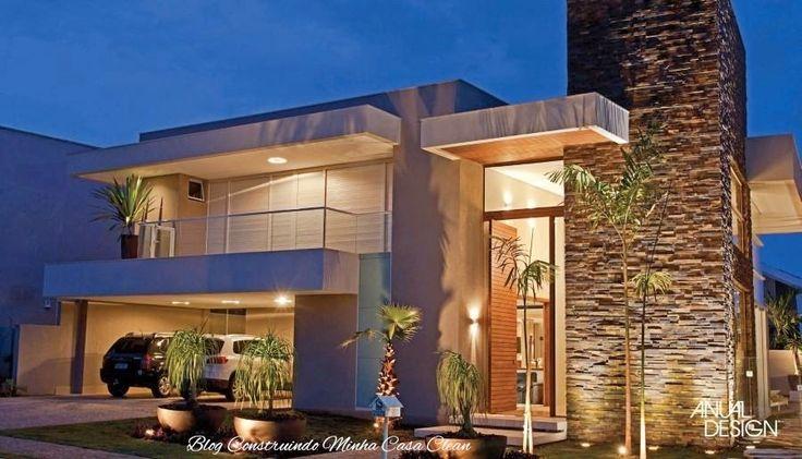 Fachadas de casas com portas imponentes lindas casa for Casas hermosas modernas