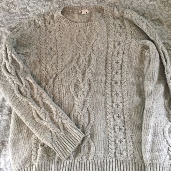 Grey Gap sweater Soft Gap sweater in grey, crew neck cut.  Size M. Some slight piling but not super noticeable. Cute knit detail in front and sleeves! Worn a handful of times. GAP Sweaters Crew & Scoop Necks