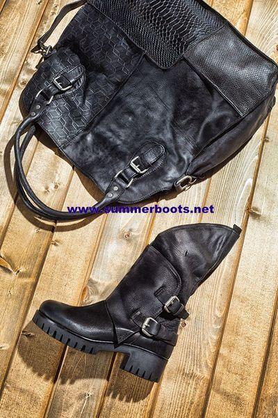 Кожаные женские осенние сапоги и сумка Комплекты: кожаные осенние сапоги или ботинки, разные модели и цвета.  Цена 10 500 руб и сумка в тон 10 80
