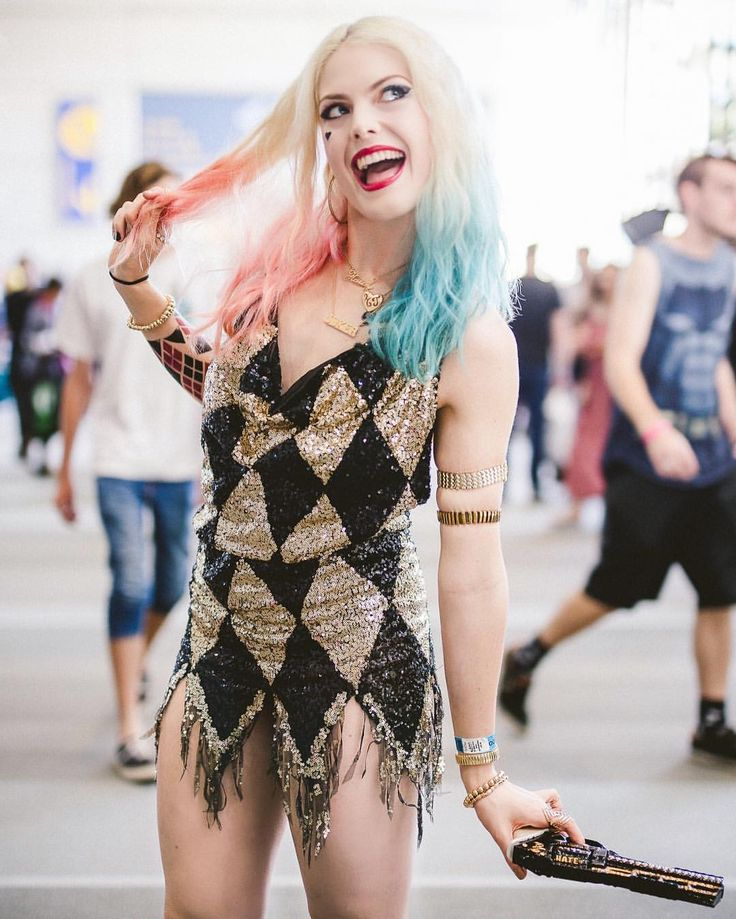 Laura Gilbert cosplay @infamous_harley_quinn