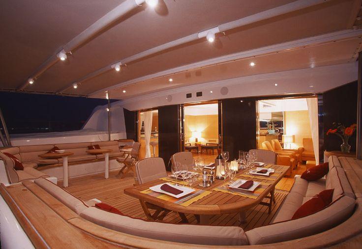 Yacht Lady Barbaretta/Necker Belle | Made by James @lamaisonjames Le Yacht Lady Barbaretta est devenu Necker Belle au fil du temps. Site où il est disponible maintenant : http://www.virginlimitededition.com/en/necker-belle