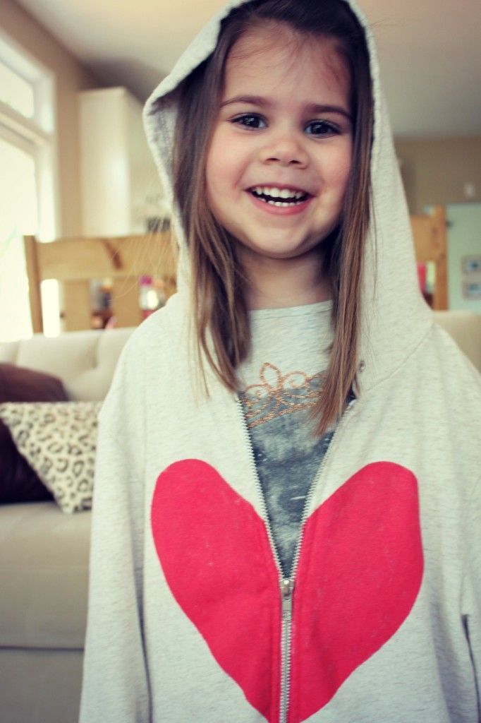#DIY heart hoodie for the little loved ones in your life #gift
