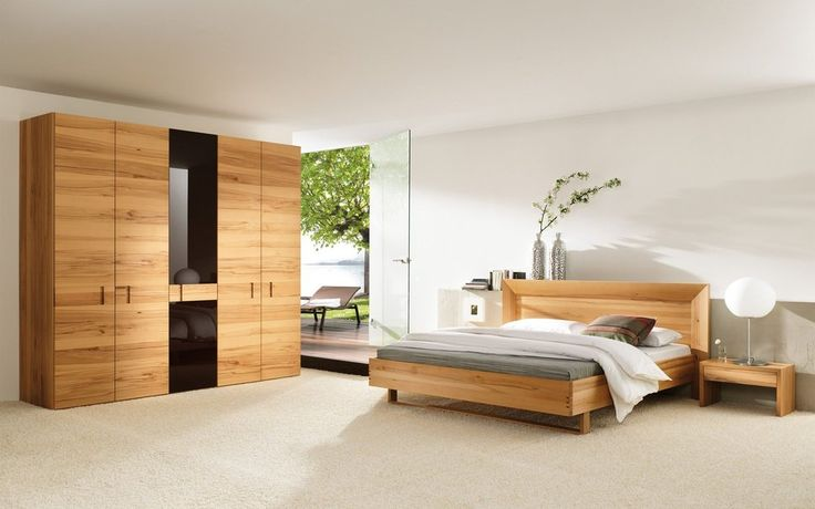 Sovrum garderob, Nattduksbord, lampa, vas, blommor, dörr, glas, trä, solstol, havet, blad vektor