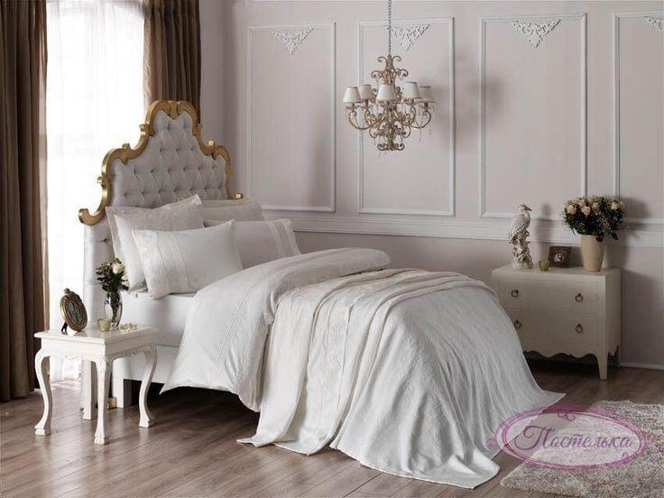 Свадебный набор (15 предметов) Постельное бельё с покрывалом и полотенцами ТАС Elena ekru