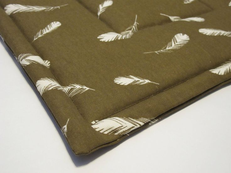 FREE SHIPPING Extra Small Organic Quilted Pet Mat- Washable- Brown Feathers - Cat Mat - Small Dog Pad by KentuckyBluebird on Etsy https://www.etsy.com/listing/509129348/free-shipping-extra-small-organic