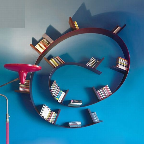 the snail look shelf can store many books