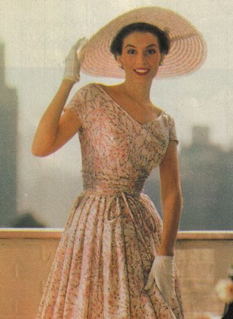 1950's Fashion. <3  I really wish this was normal. ☺