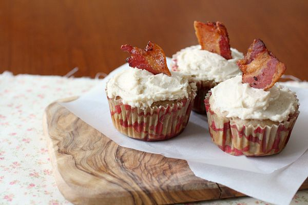 Maple Bacon Cupcakes - J did love these! I made them as jumbo cupcakes and added more frosting. I'd like to try a cream cheese frosting on them next time!