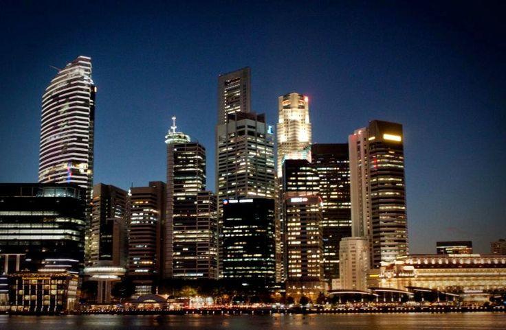 Nila Tamaraa : PICTORIAL WALK-THROUGH IN SINGAPORE