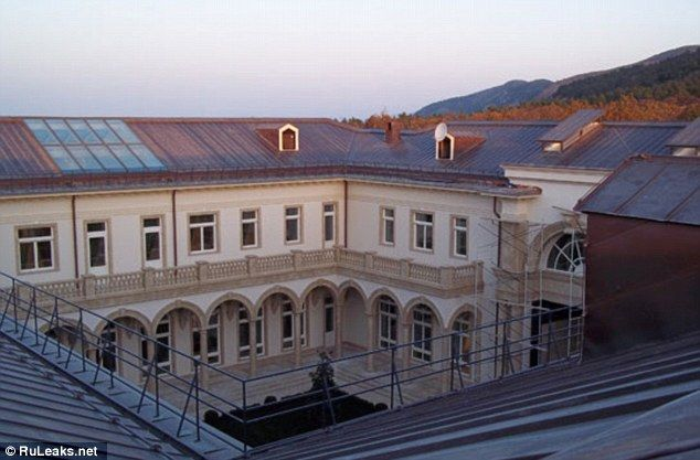 Photos « Putin's palace on the Black sea