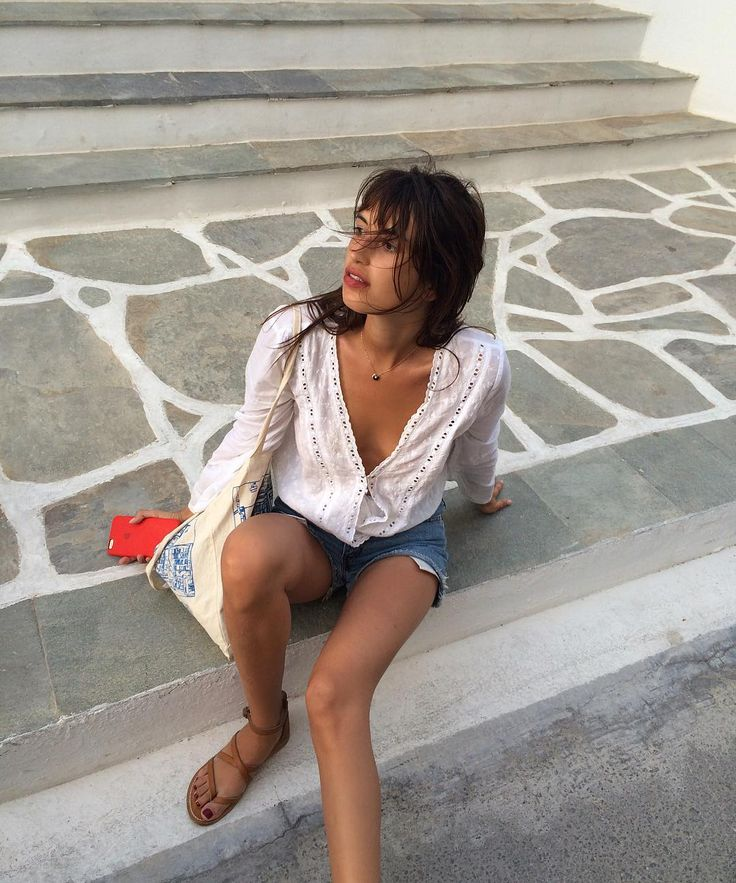 Hitch hiking #part3 #nodrivinglicense - jeanne damas style                                                                                                                                                                                 Mehr