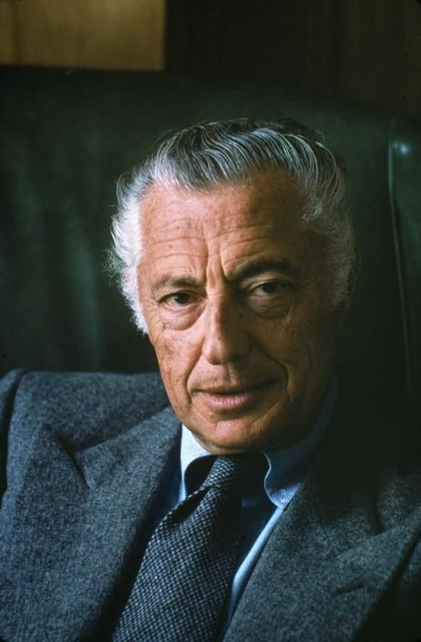 Gianni Agnelli The most incompetent business manager in history. He was interested only in fashion. An idiot!!! He was a lawyer, a poor lawyer.  He was not an engineer. What will you be remembered for? Oh!! your wristwatch on the shirt cuff!!!