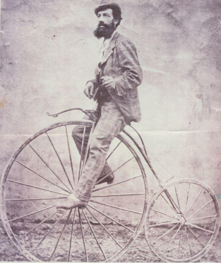 13-09-1878. Il maestro Alfonso Pastori (1843), all'età di 35 anni, realizza un'impresa reputata, a quei tempi, audace e pazzesca: compie in sella ad un biciclo, su strade impossibili, nientemeno che il fantastico viaggio da Brescia Roma e ritorno. Alcuni esperti falegnami specializzati nella costruzione di ruote per carri e carrette, gli misero insieme con mezzi rudimentali un biciclo dalla grande ruota anteriore e piccola posteriore, sul modello dei primi bicicli apparsi in quel periodo.