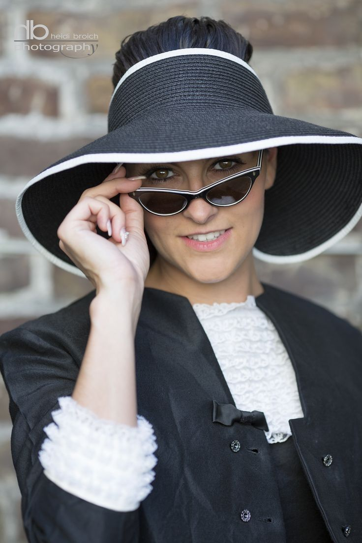 inspired by audrey hepburn - dress and hat by www.johns-vintage Köln, photo heidibroich.com
