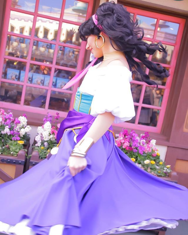 dance  ⑅ #disney #disneyland #tokyodisneyland #tokyodisneyresort #tdl #tdr #facecharacter #esmeralda #disneygram #disneypic #greeting #ディズニー #ディズニーランド #エスメラルダ #ノートルダムの鐘