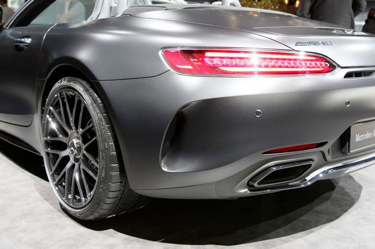MERCEDES-BENZ AMG GT C ROADSTER EDITION 50 *1 OF 500*LIMITED    -- Export price: 243.950 €--  Stoсk №: B535    Fuel consumption (in town): 11.4 l/100 km | CO2 emissions: 259 g/km | Energy efficiency class: G | Fuel type: Benzin     #mersedes_benz #1_of_500_limited #autoseredin #dubaicars #carforsale