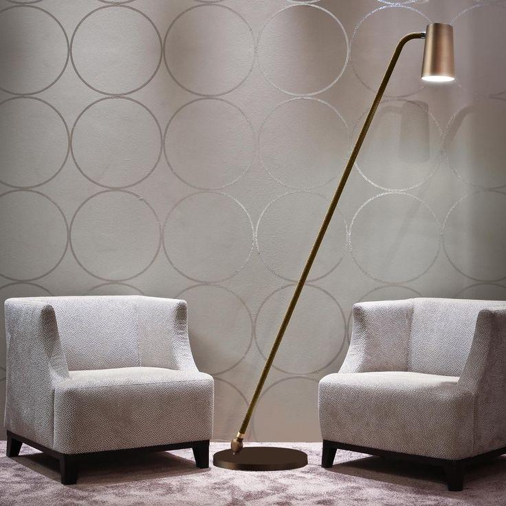 Lampe de lecture bronze & laiton - Un profil élancé et racé. Cette version liseuse trouvera immédiatement sa place dans votre salon, près de votre canapé ou de votre chauffeuse.