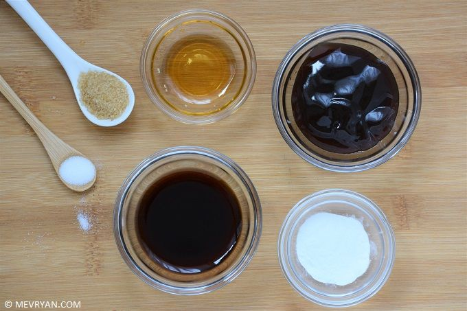Hoe maak je zwarte bonensaus? Vind het recept op © mevryan.com, lekker Aziatisch koken #Chinees #recepten #koken #saus #zwartebonen
