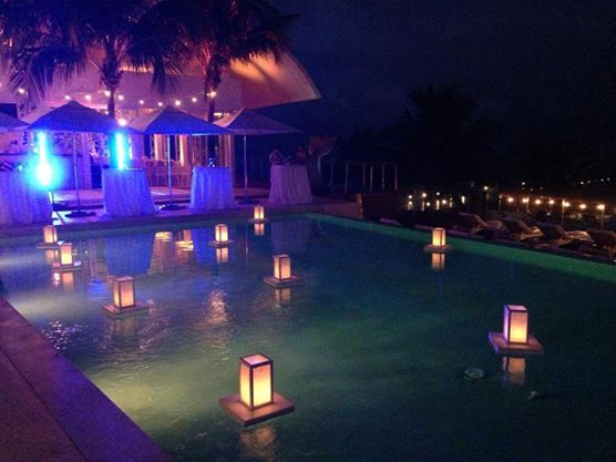 CBA130 Riviera Maya weddings bodas. Floating lanterns / Linternas flotantes