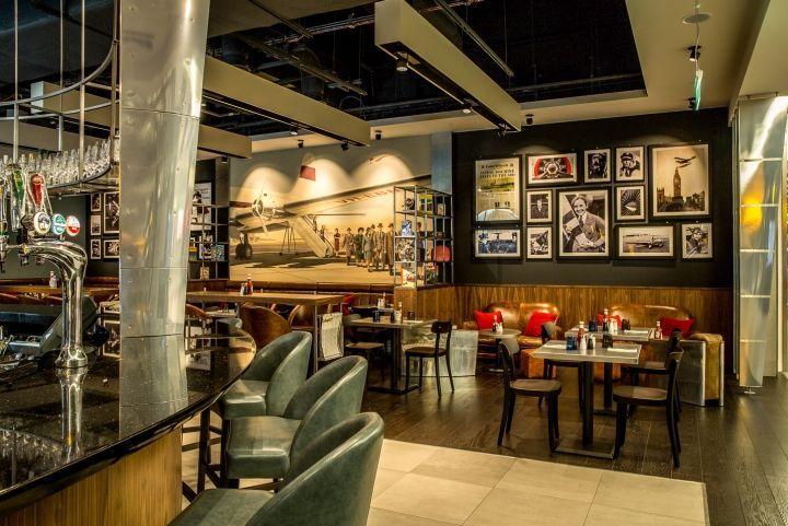 Aviation-Themed Airport Bars : Heathrow Restaurant