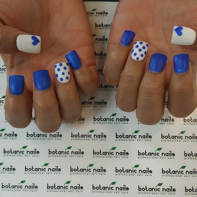 <3 I need to have this done on my nails!!