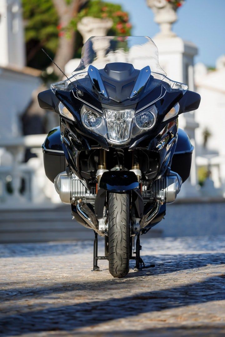 bmw rolls out 2019 r 1250 gs and rt with variable valve lift two rh pinterest com
