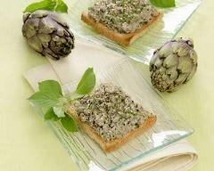 Tapenade d'artichauts au persil : http://www.cuisineaz.com/recettes/tapenade-d-artichauts-au-persil-83460.aspx