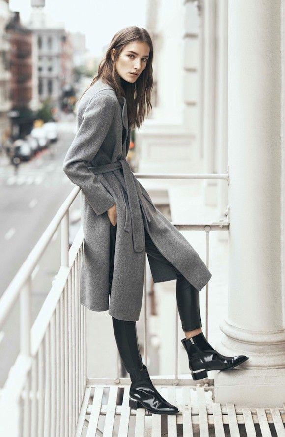 Manteau ceinturé gris + bottines vernies noires style 60's : 2 tendances automne-hiver 2015-2016 à porter ensemble ! #Look #Outfit
