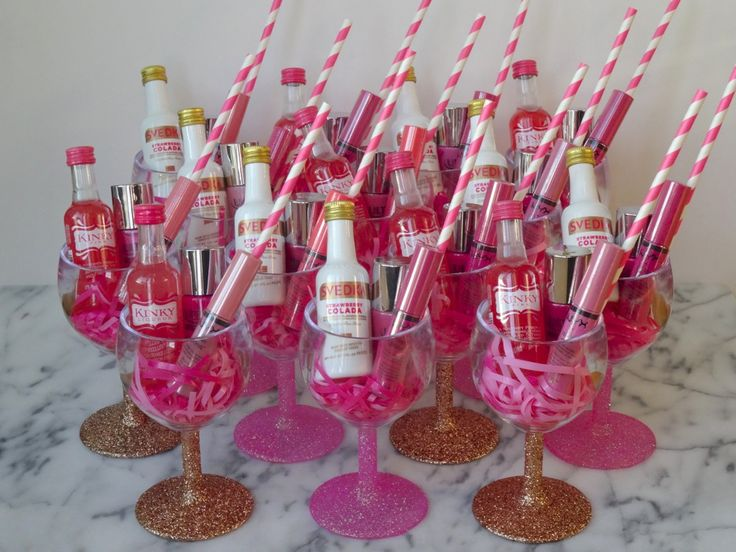 Fun and easy DIY Bachelorette Party Favors are up on the blog today just in time for my own bachelorette party in Nashville!