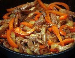 На нашем кулинарном сайте Вы сможете узнать как приготовить Свинина по китайски рецепт поэтапного приготовления.