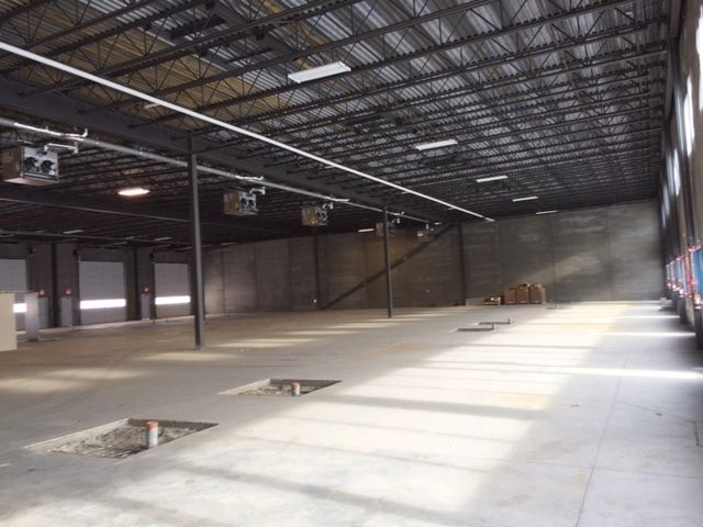 106 10101 118 Street Grande Prairie, AB MLS #L090219 & MLS #L090210 New industrial condo w/ precast concrete walls. Features 16X14 OH door. Dedicated trailer parking and exceptional yard space. Spacious bay w/ option for mezzanine. Highly visible. L090129. Please call Dale Williams or Brooks Hoffos of Fuse Realty at 780-830-1317 to book a showing. $19.50/sq. ft + Op. Costs. OR $774,900