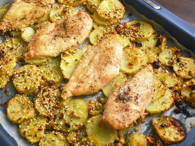 Grillezett csirkemell fűszeres-szezámmagos újburgonyával - Receptek | Ízes Élet - Gasztronómia a mindennapokra