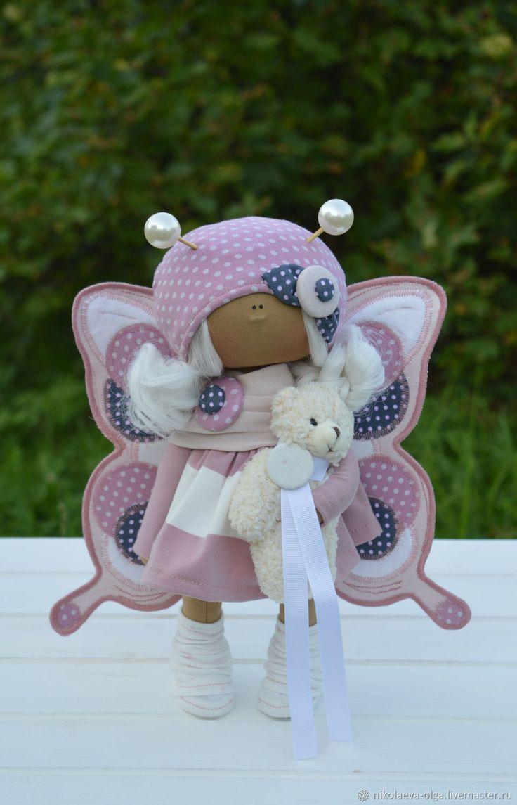 Купить или заказать Интерьерная текстильная кукла БАБОЧКА в интернет-магазине на Ярмарке Мастеров. Кукла полностью текстильная. Сама сидит и стоит. Одежда и крылья не снимаются. Кукла может стать идеальным подарком для Ваших любимых.