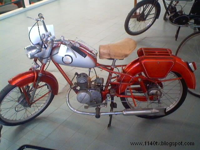 Pachancho (vintage portuguese moped)