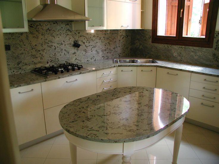 piani cucina in granito kashmir white
