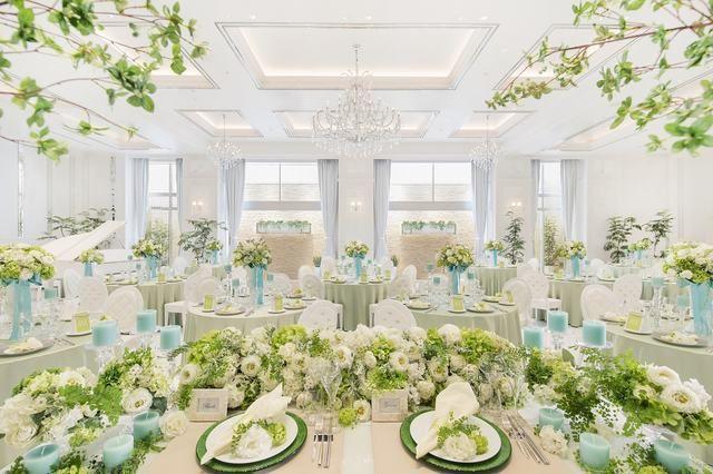 結婚式場写真「<パリスキャッスル アンジェブランシェ> 白亜にこだわったカルチャーリゾートがテーマ テーブルコーディネートもかわいく仕上げて♪」 【みんなのウェディング】