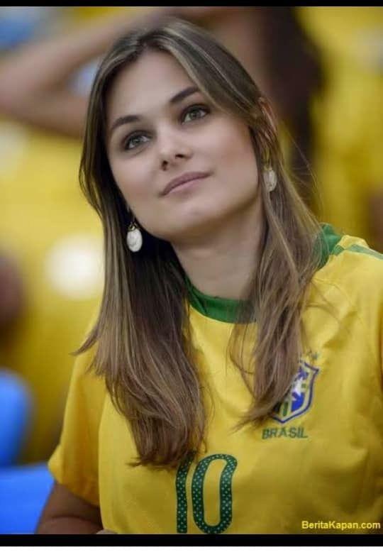 Brazil   Soccer / Futbol   Football girls, Hot football fans, Soccer