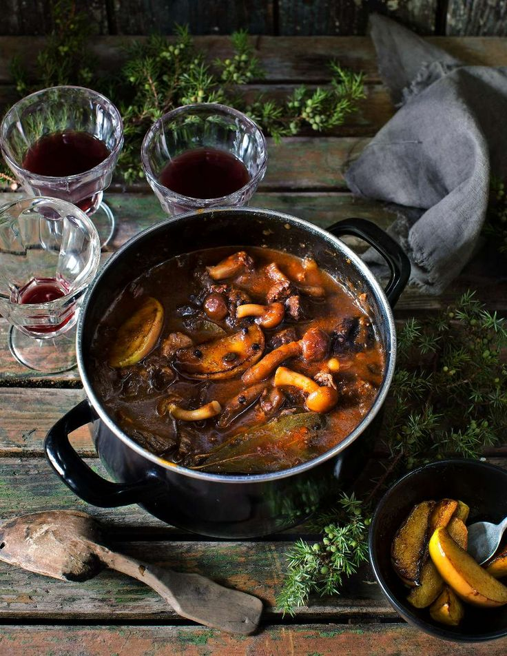 Moose stew with mushrooms and apples - Lantliv.com